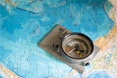 Kompass e mapa Foto de Stock Royalty Free