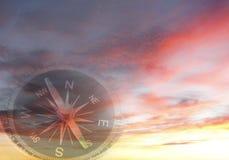 Kompass im Himmel Stockbild