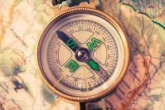 Kompass och översikt Royaltyfri Foto
