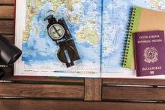 Kompass-, Pass- und Blockanmerkungen über Karte Lizenzfreie Stockfotos