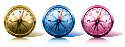 Kompassse in den verschiedenen Farben Lizenzfreies Stockfoto