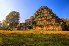 Komplex alten Tempels Koh Kers. Kambodscha. Stockbilder