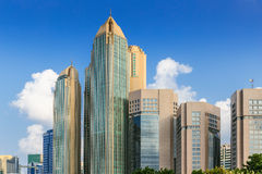 Komplex av moderna byggnader i Abu Dhabi i Abu Dhabi, enig Ar Arkivfoton