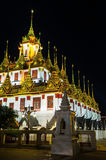 Komplex des buddhistischen Tempels, Loha Prasat in Ratchanadda-Tempel an moonless Stockbild