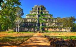 Komplex Koh Ker för forntida tempel. Cambodja. Arkivbilder
