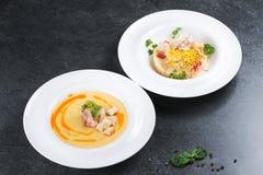 Komplex matställe Bra tjäna som av couscouskusiner med kött och grönsaker Arkivfoto