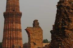 Komplex Qutab Minar in Mehrauli Stockfotografie