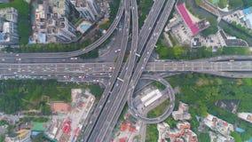 Komplexer Landstraßenaustausch in Guangzhou, China Vertikale top-down von der Luftansicht stock footage
