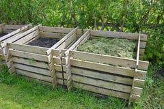 Kompost i naturträdgård Royaltyfri Bild