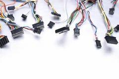 Komputerów kable na kruszcowym tle Obrazy Stock