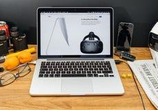 Komputer Apple przy WWDC opóźnionymi zawiadomieniami iMac vr na Imac Zdjęcie Stock