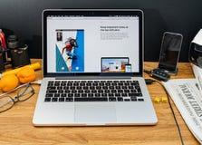 Komputer Apple przy WWDC opóźnionymi zawiadomieniami notatki app, Fotografia Stock