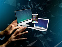 Komputer i przyrząda wystawiający na futurystycznym interfejsie z bu obraz royalty free