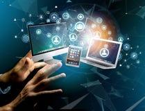 Komputer i przyrząda wystawiający na futurystycznym interfejsie z bu obrazy royalty free