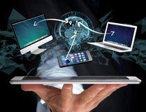 Komputer i przyrząda wystawiający na futurystycznym interfejsie z wewnątrz zdjęcia royalty free