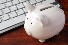 komputer może bankowych pojęcia kosztów problem stał się online etc Zdjęcia Royalty Free