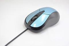Komputerowa błękitna i czarna mysz odizolowywająca na białym tle Zdjęcia Stock