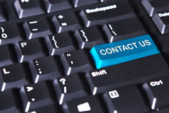 Komputerowa klawiatura z tekstem kontakt my zdjęcia royalty free