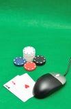 Komputerowa mysz z grzebaków karta do gry i układami scalonymi Obrazy Royalty Free