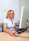 komputerowa używać kobieta Zdjęcia Stock