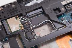 Komputerowego laptopu wewnętrzny drutowanie i składniki zdjęcie stock