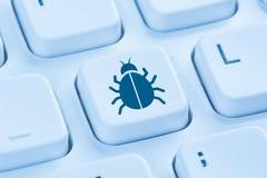 Komputerowego wirusa sieci Trojańskiej ochrony interneta błękitna klawiatura obraz royalty free
