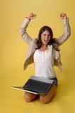 komputerowi laptopu kobiety potomstwa Zdjęcia Royalty Free