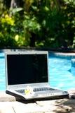 komputerowy basen laptopie kurort Zdjęcia Stock
