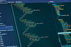 Komputerowy pismo kod Linie html i css kod, zbliżenie Sieć projekta i sieci rozwój obraz royalty free