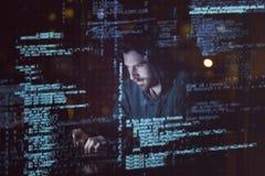 komputerowych cyfr hackera laptopu udziałów parawanowy używać Zdjęcia Stock