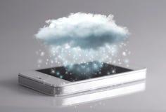 Komputertechnologie der Wolke mit Smartphone Stockfoto