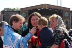 Komunia podczas Boskiej Liturgii Zdjęcia Royalty Free