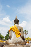 Kon del mong di yai chai del wat di Buddha del fondo del cielo blu a ayutthaya Immagini Stock Libere da Diritti