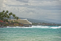 Kona港口海在大海岛挥动 免版税库存图片