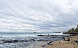 Kona港口海在大海岛挥动 免版税图库摄影