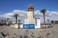 Konak/Izmir/Турция, 15-ое февраля 2019, историческая старая реновация башни с часами, восстановление, ремонт стоковые фотографии rf