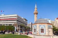 Konak广场的,伊兹密尔,土耳其古老Camii清真寺 库存图片