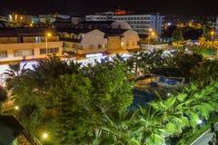Konakli, Τουρκία - 18 Αυγούστου 2017: Τροπική άποψη ξενοδοχείων θερέτρου τοπ τη νύχτα Έδαφος της τουρκικής εναέριας άποψης ξενοδο Στοκ Εικόνες