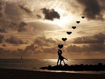 koncepcja plażowa pary rąk miłości Fotografia Royalty Free
