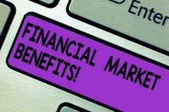 Konceptualna ręka pisze pokazywać rynek finansowy korzyści Biznesowy fotografia tekst Przyczynia się skuteczność rynek i zdrowie fotografia royalty free