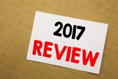 Konceptualna ręki writing teksta podpisu inspiracja pokazuje 2017 przegląd Biznesowy pojęcie dla Rocznego Zbiorczego raportu Pisa Zdjęcie Royalty Free