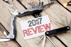 Konceptualna ręki writing teksta podpisu inspiracja pokazuje 2017 przegląd Biznesowy pojęcie dla Rocznego Zbiorczego raportu Pisa obrazy royalty free