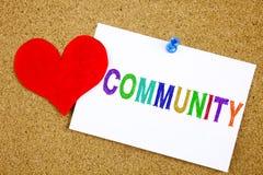 Konceptualna ręki writing teksta podpisu inspiracja pokazuje społeczności Biznesowy pojęcie dla więzi miłości pisać na kleistej n Zdjęcia Stock