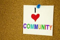 Konceptualna ręki writing teksta podpisu inspiracja pokazuje społeczności Biznesowy pojęcie dla więzi miłości pisać na kleistej n Zdjęcia Royalty Free