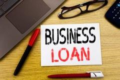 Konceptualna ręki writing teksta seansu Biznesowa pożyczka Biznesowy pojęcie dla Pożyczać finanse kredyt pisać na papierze, drewn obrazy stock