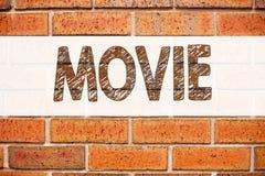 Konceptualna zawiadomienie teksta podpisu inspiracja pokazuje film Biznesowy pojęcie dla rozrywka filmu filmu pisać na starej ceg Obraz Royalty Free