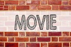 Konceptualna zawiadomienie teksta podpisu inspiracja pokazuje film Biznesowy pojęcie dla rozrywka filmu filmu pisać na starej ceg Obrazy Royalty Free