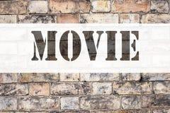 Konceptualna zawiadomienie teksta podpisu inspiracja pokazuje film Biznesowy pojęcie dla rozrywka filmu filmu pisać na starej ceg Zdjęcia Stock