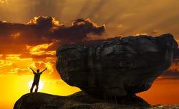 konceptualnego projekta mężczyzna góry wierzchołek Zdjęcia Stock