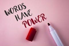 Konceptualni ręki writing seansu słowa władzę Biznesowa fotografia pokazuje oświadczenia pojemność zmieniać twój ponownego ty mów obraz stock